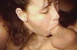 Carlycurvy a fumar e videos de massagens lesbicas a despir